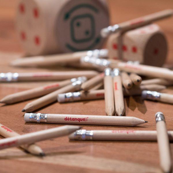 Crayon de bois détanque